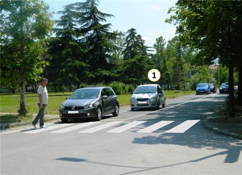 Sipas situatës si në fotografi shoferi i veturës me Nr. 1:
