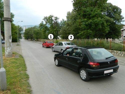 Sipas situatës si në fotografi shoferi i automjetit me Nr. 2: