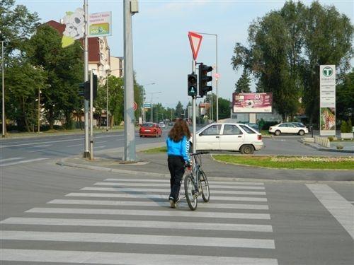 Biçikletë në rrugë, mund të drejtojë personi i cili ka mbushur: